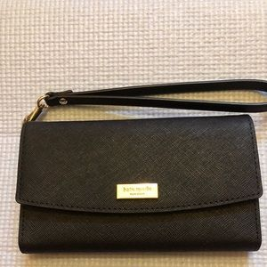 Black Kate Spade Tri Fold Wristlet (authentic)